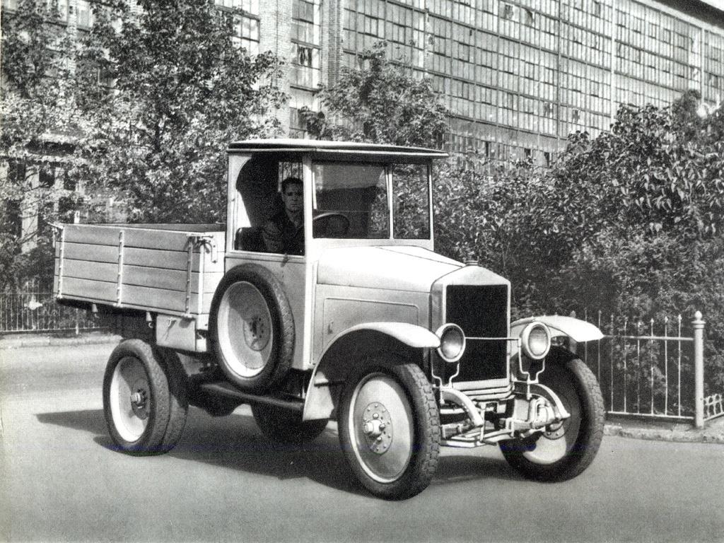 АМО - первый советский грузовик
