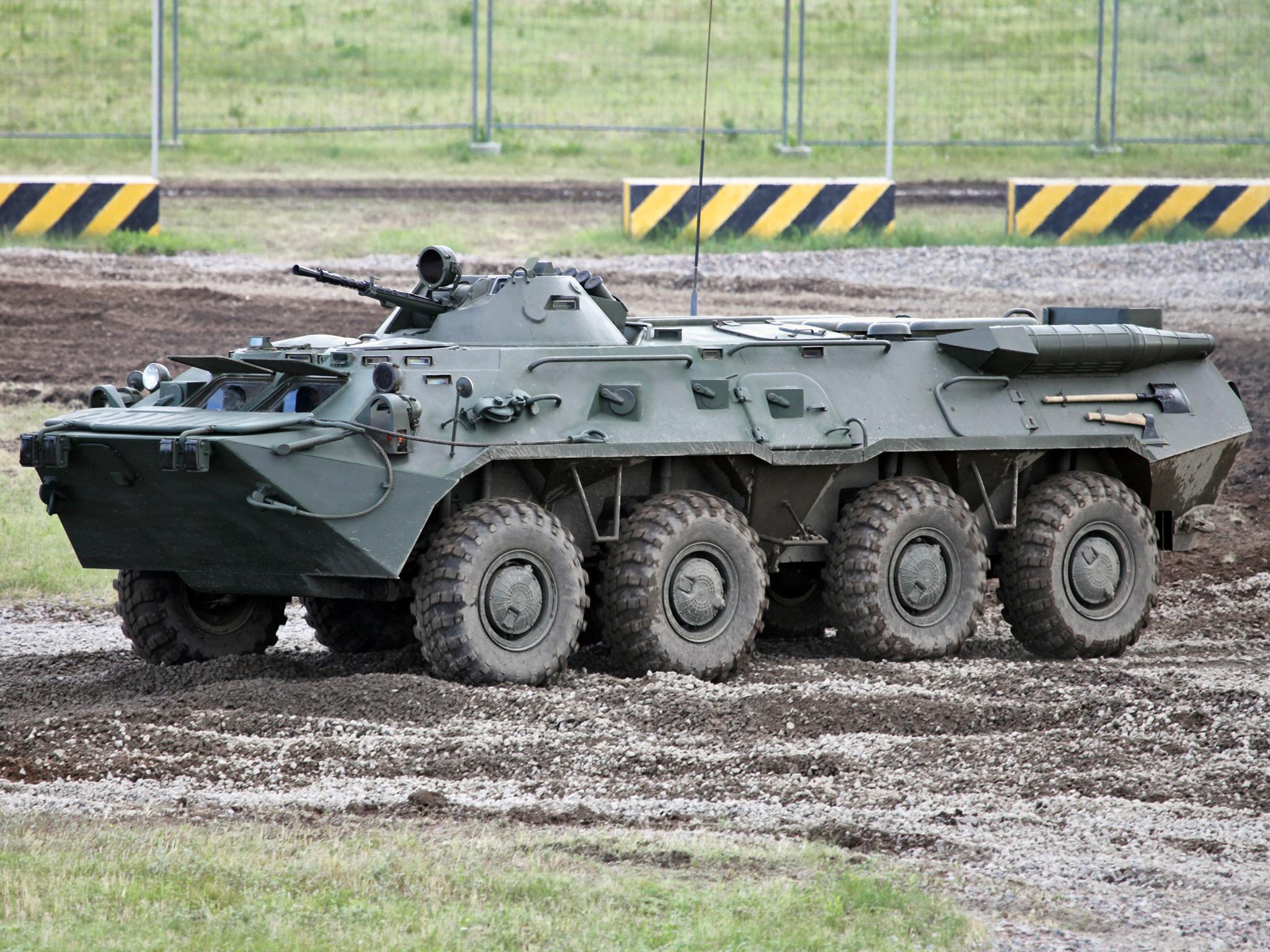 БТР-80 на полигоне