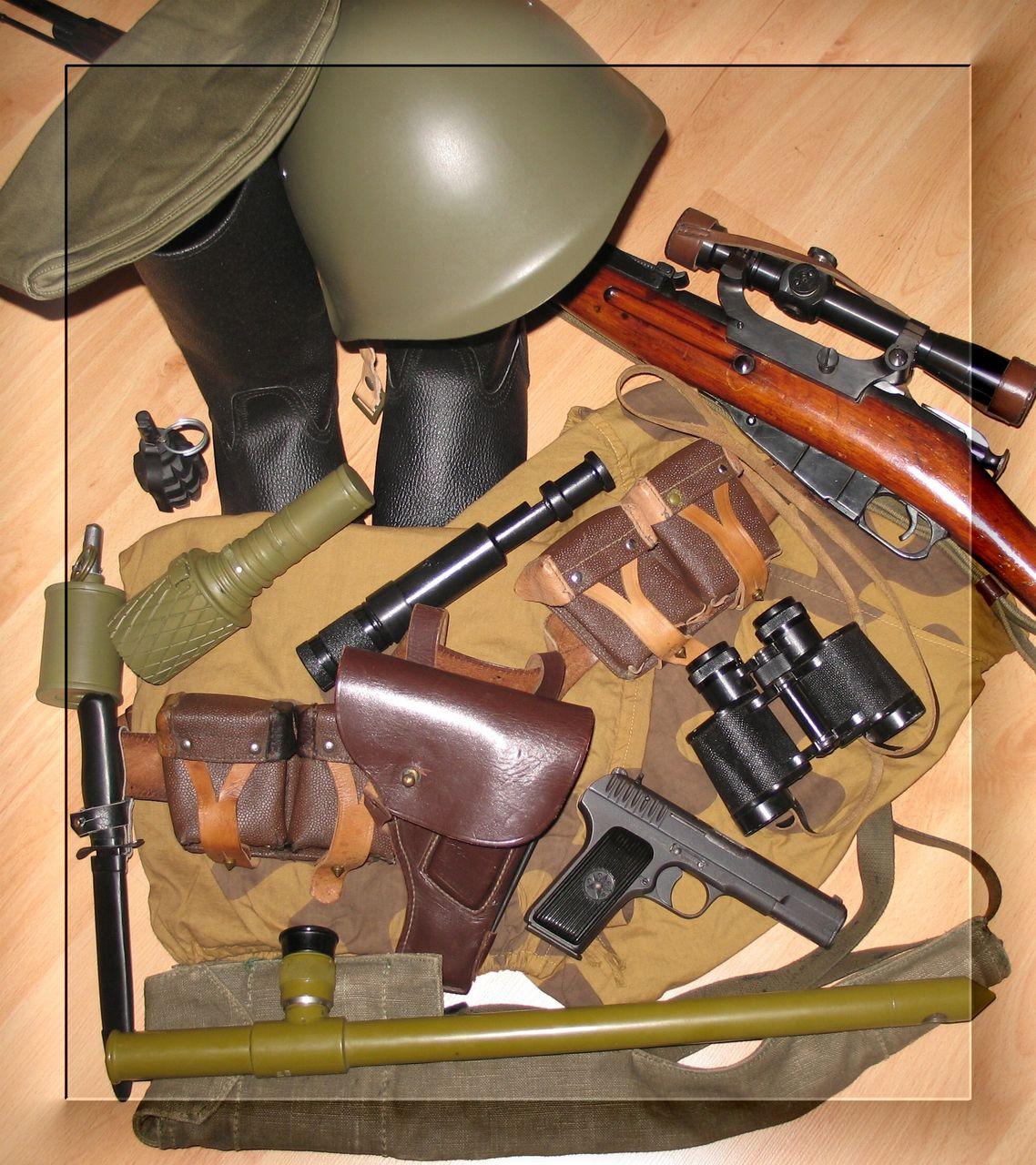 В штатную экипировку снайпера входит пистолет Стечкина