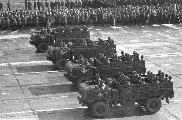 Войска ВДВ на параде
