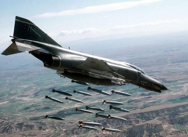 ataka-samoletov-nazemnyh-celej
