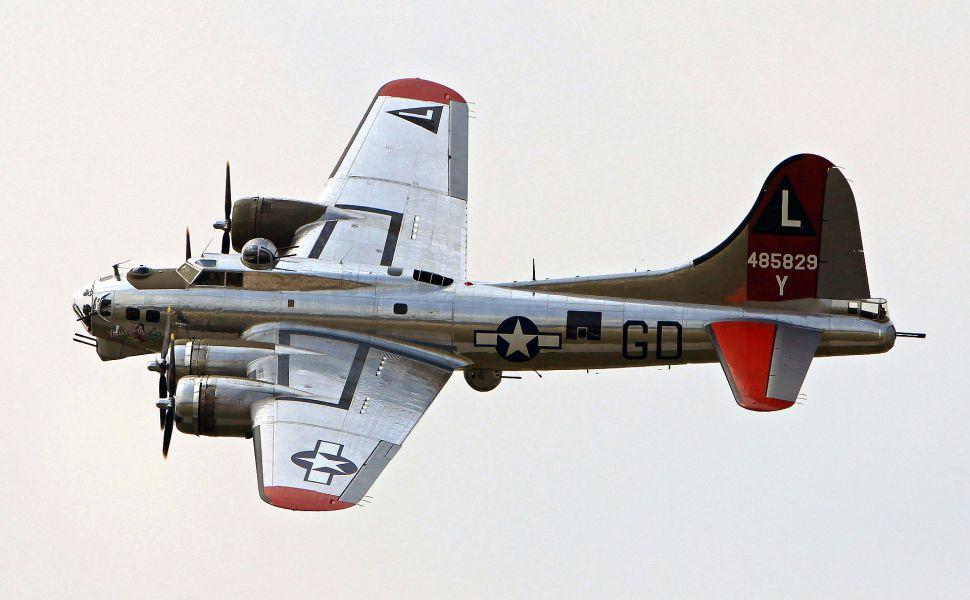 B-17 - Летающая Крепость