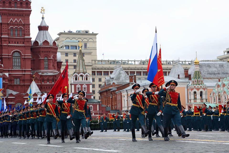 Преображенский полк на параде