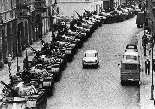 Танки на улицах Праги