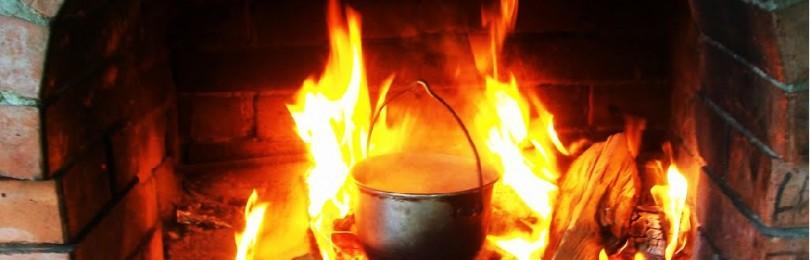 Котелок — первый необходимый предмет для приготовления пищи в полевых условиях