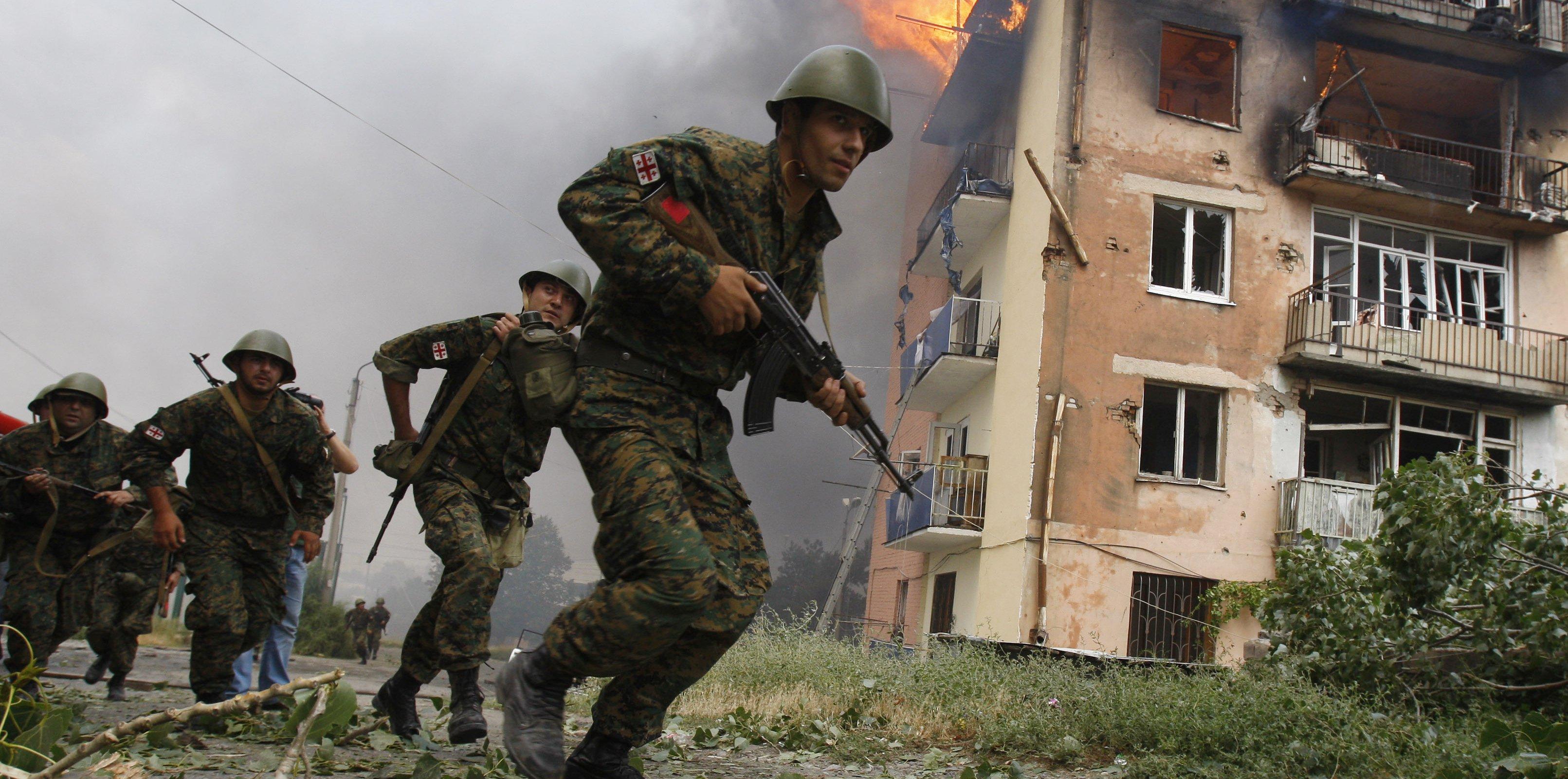 Грузинская пехота штурмует Цхинвал