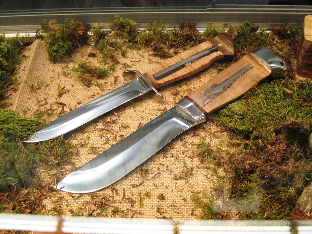 Виды хвостовиков туристических ножей