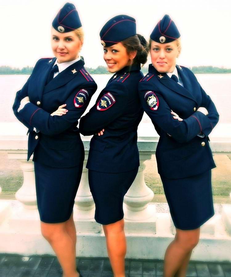 Женская форма полиции нового образца