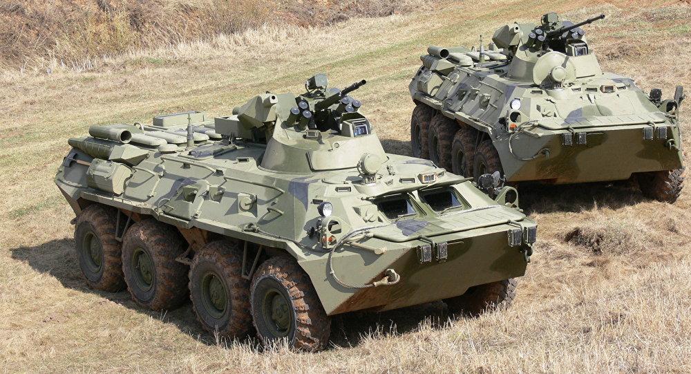 БТР-82 в пулеметном и в пушечном варианте