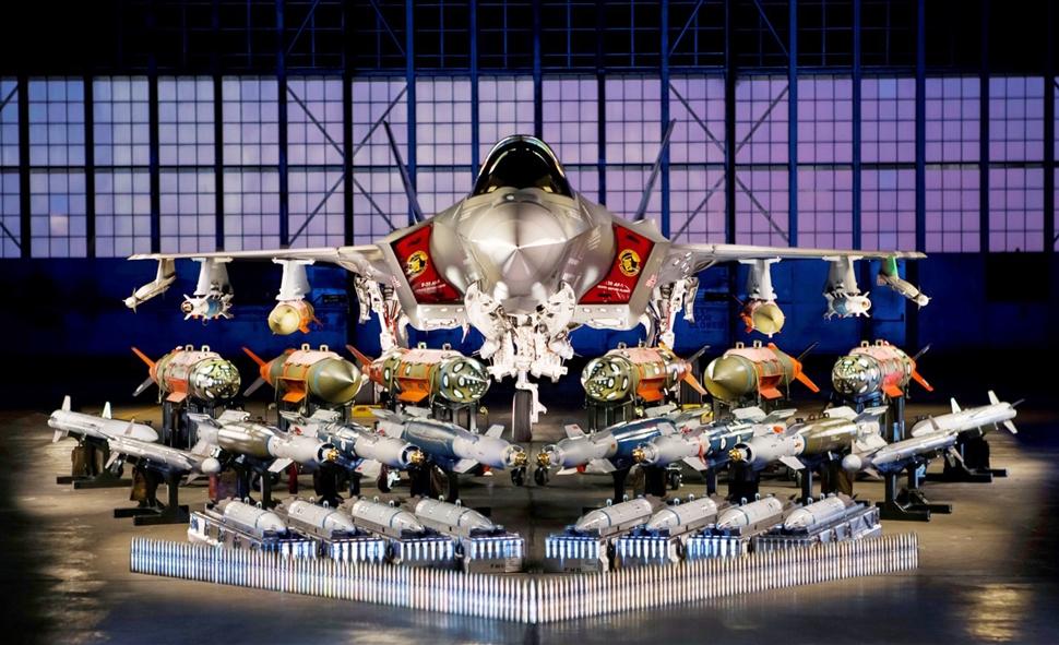 F-35 на выставке