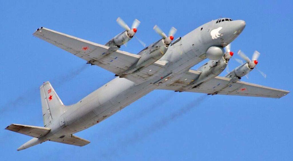 Ил-38 в полете