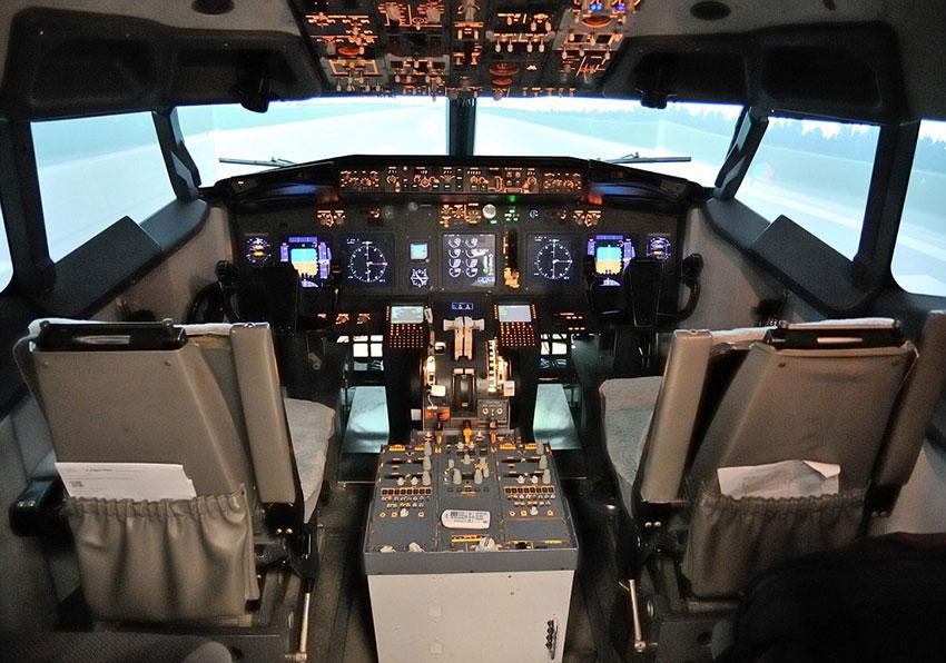 Кабина Боинг 737