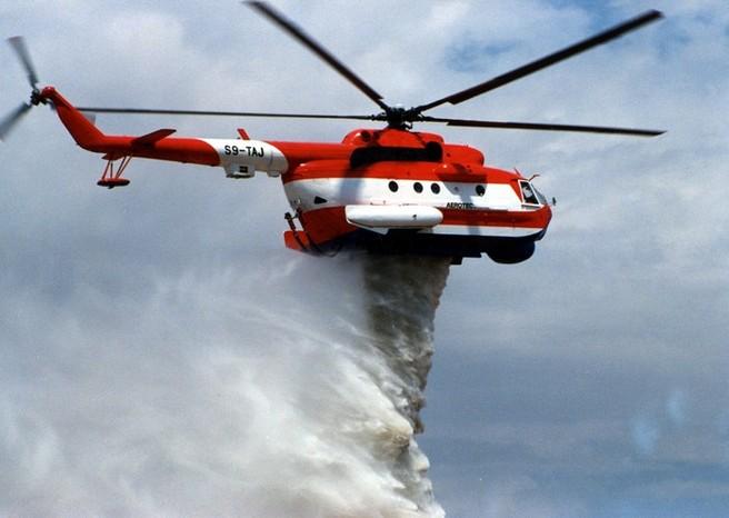 Сброс воды с Ми-14ПЖ