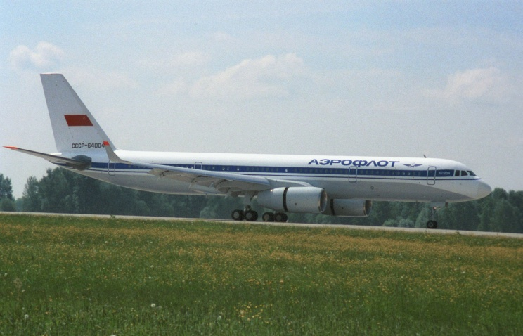 Ту-204 на земле