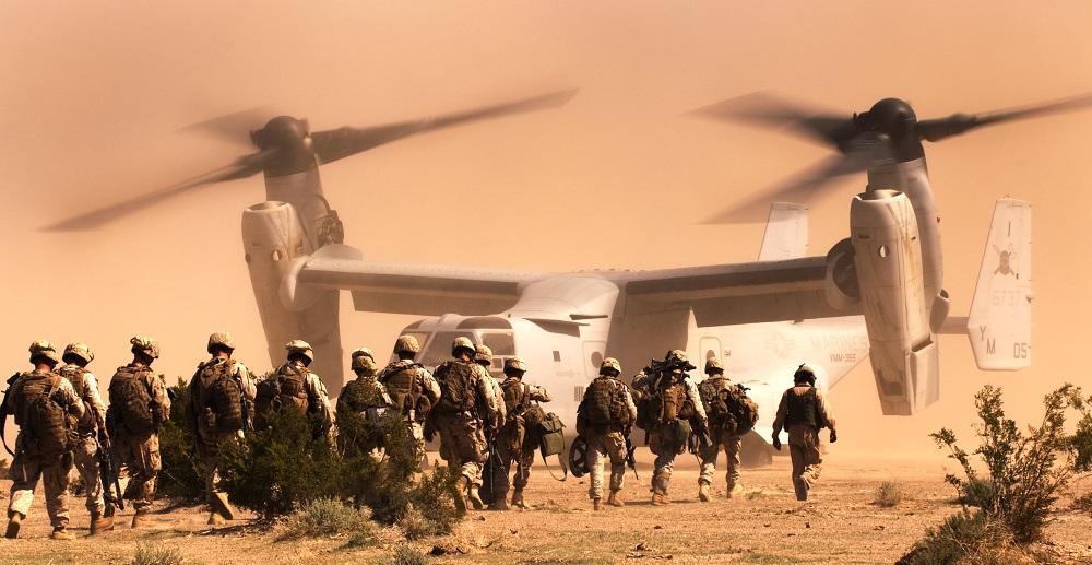 v-22-osprey-i-soldaty