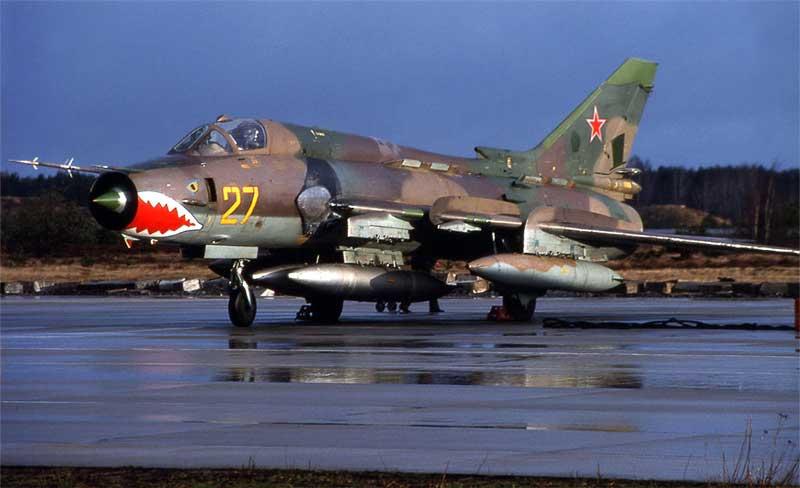 Истребитель Су-17