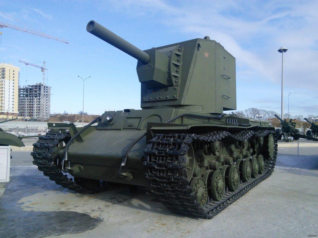 КВ-2 в музее