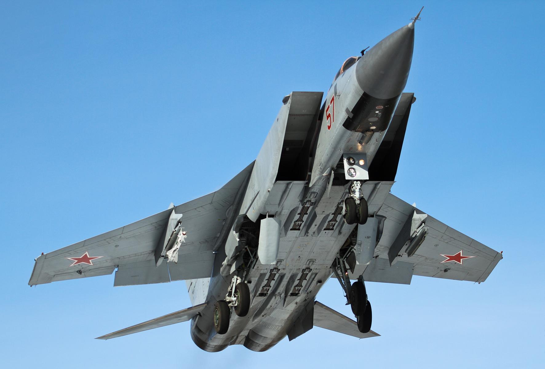 МиГ-31 в полете