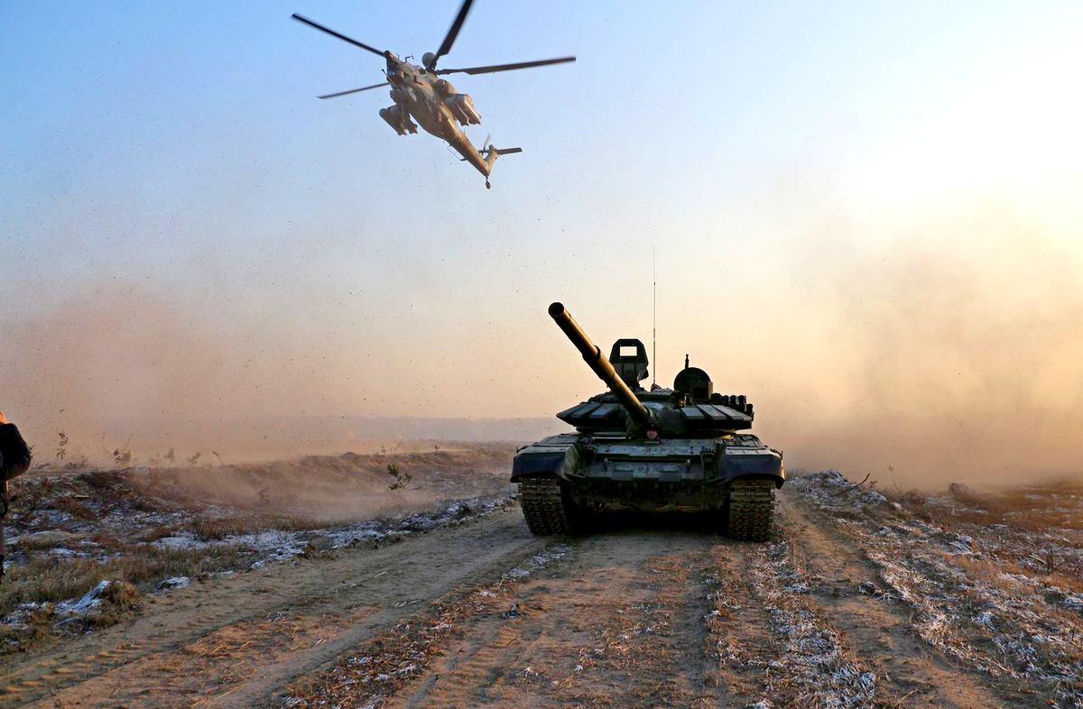 Танк и вертолет