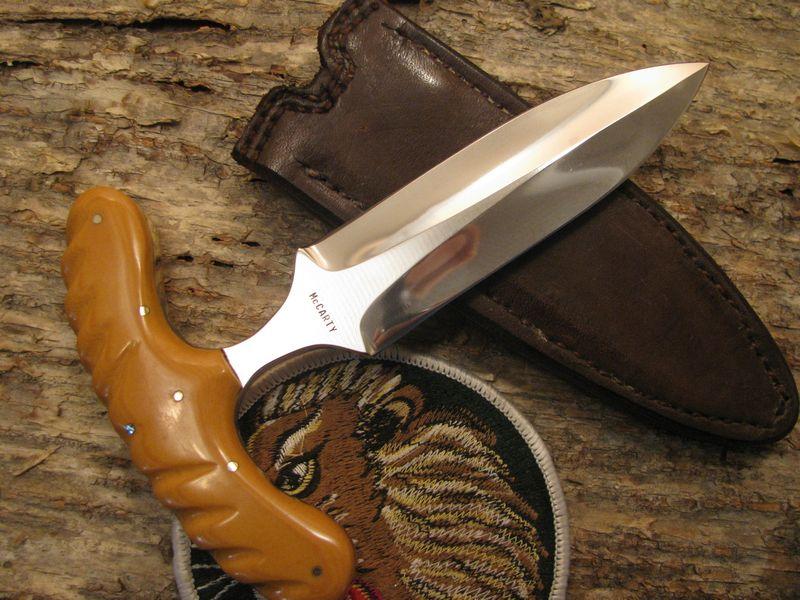 Тычковый нож с ножнами