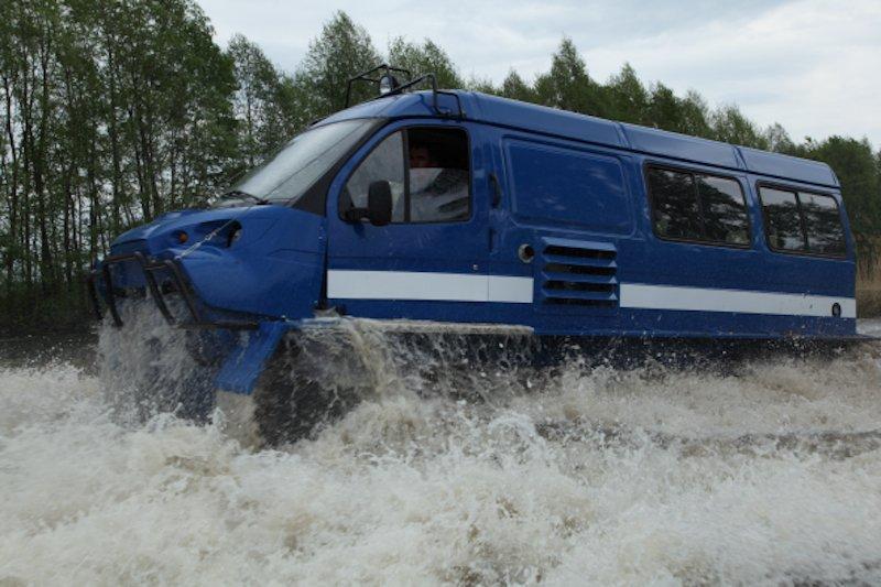 ГАЗ-34039 в воде