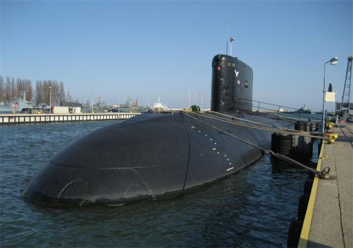 Дизель-электрическая подводная лодка
