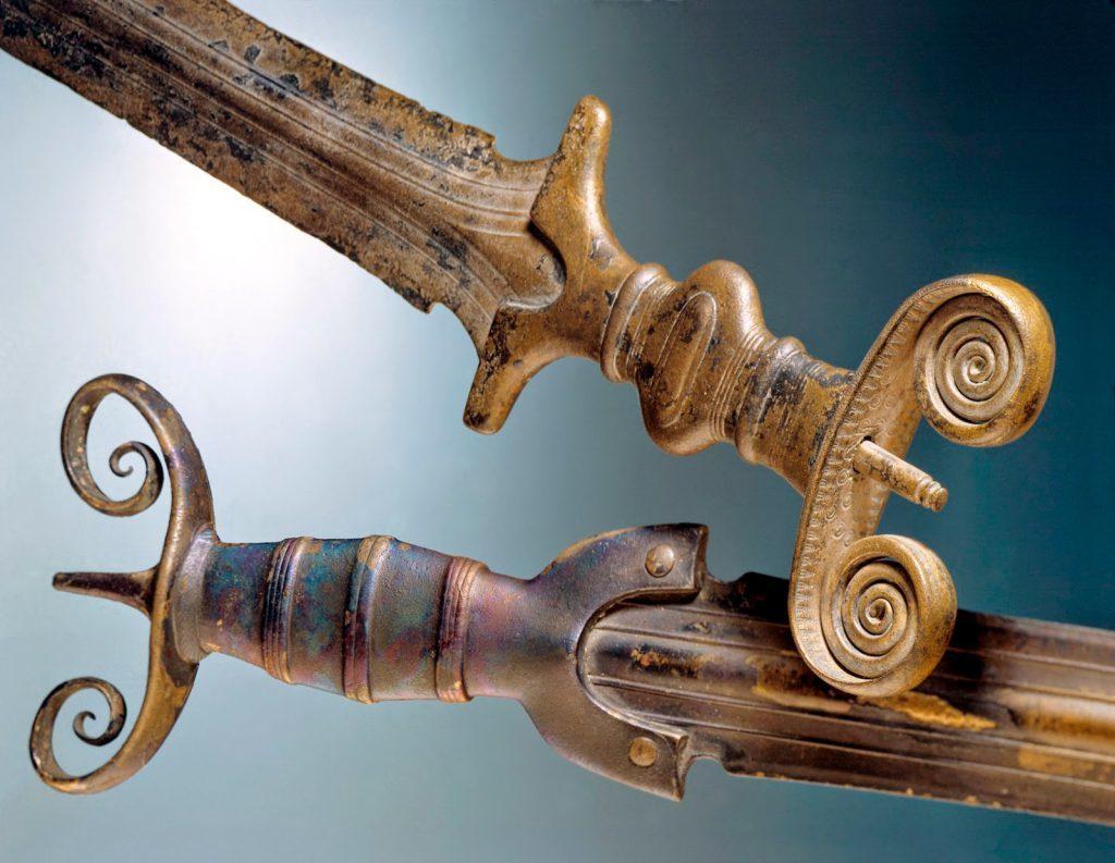 Древние мечи