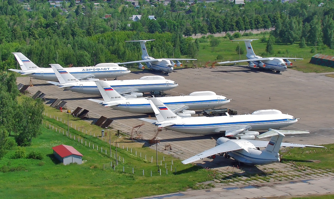 Ил-80 на аэродроме