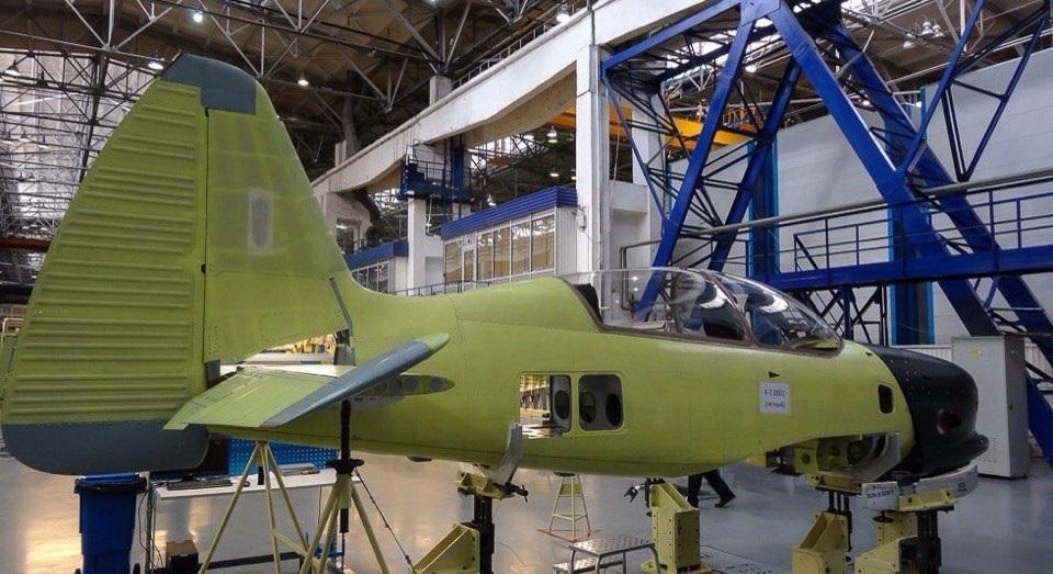 Сборка Як-152