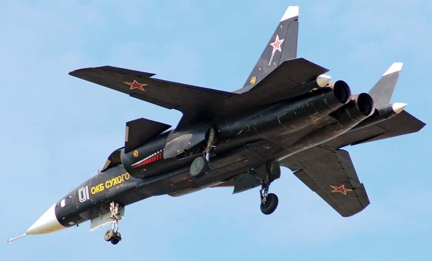 Су-47 в небе