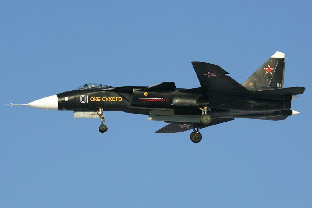 Су-47 в полете