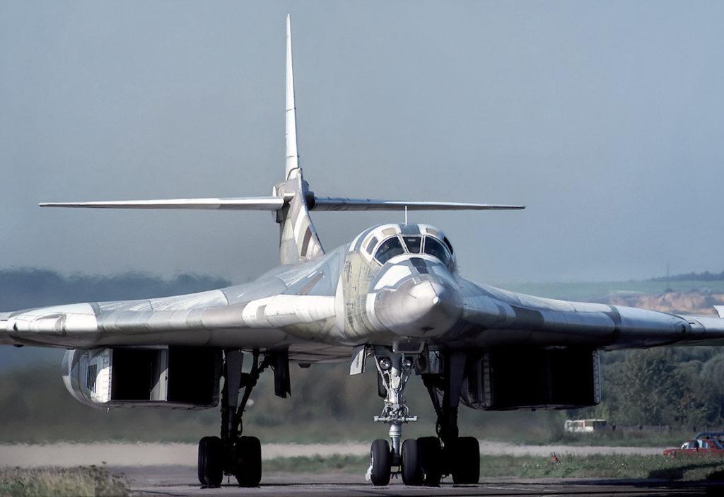 Ту-160 на ВПП