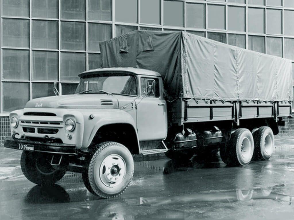 ЗИЛ-133 с тентованным кузовом