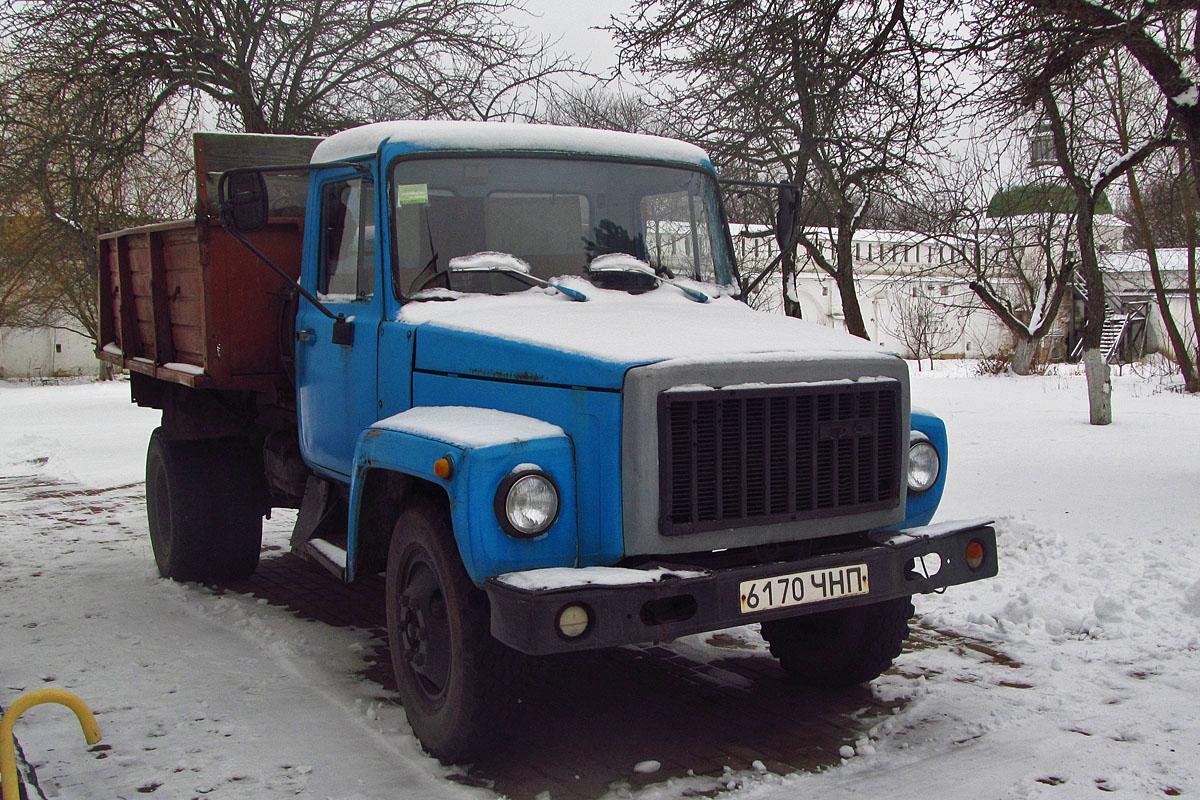 ГАЗ-3306 в снегу