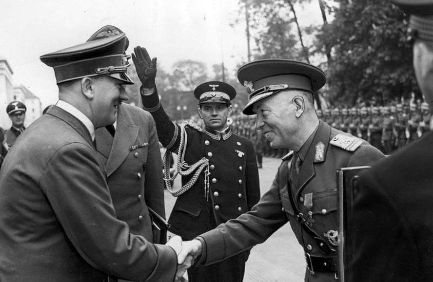 Гитлер и Антонеску