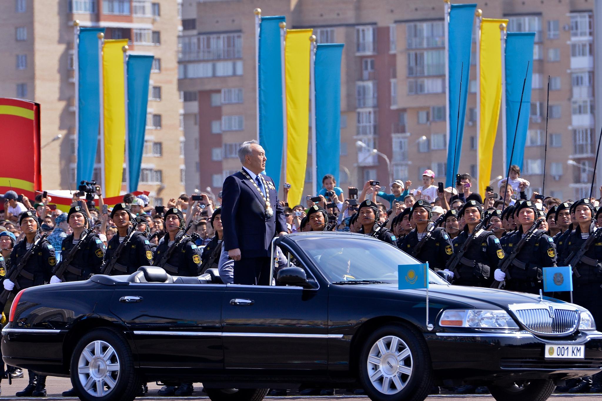 Назарбаев на параде