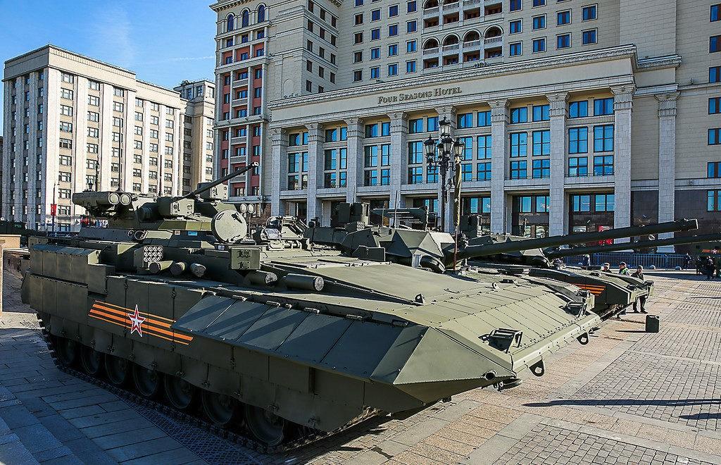 Т-15 на площади