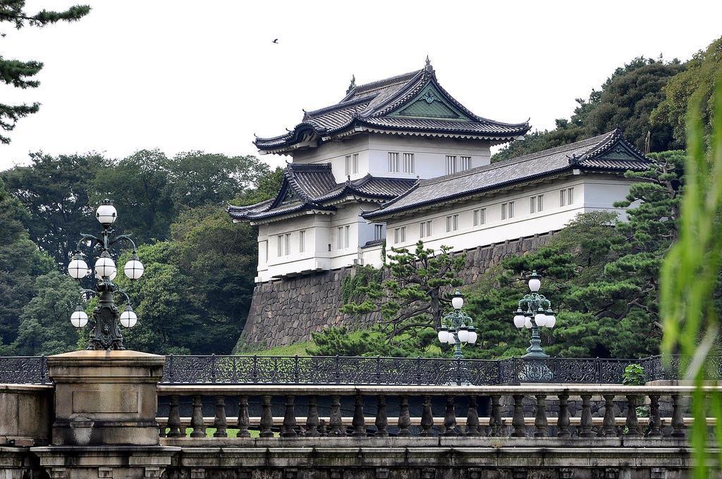 Резиденция императоров Японии